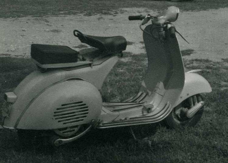 vespa trailers - scooters